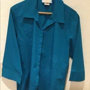Like new Teal top with sparkle design